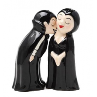 Vampire Love at First Bite Ceramic Magnetic Salt & Pepper Shaker Set by CJI Collectibles, LLC - Worth $13.94
